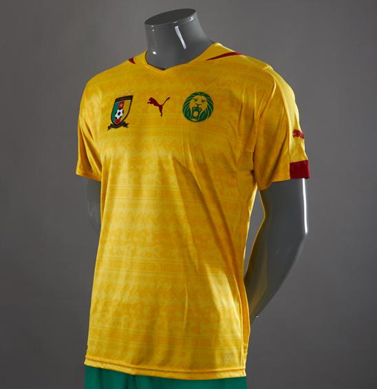 Jersey Unik Budaya Afrika tema Lukisan Buatan Puma Negara Kamerun Away Kuning Piala Dunia 2014