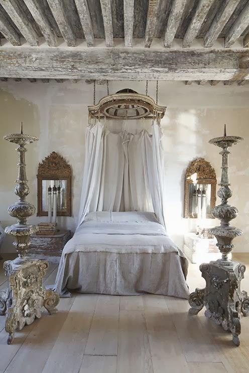 dosel para los ms romnticos quieres aadir un toque de a tu dormitorio elige un bonito dosel un par de espejos barrocos y textiles de