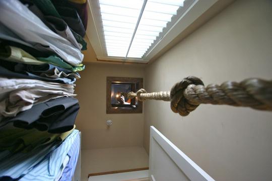 Abseilen aus dem Kinderzimmer in den begehbaren Kleiderschrank!