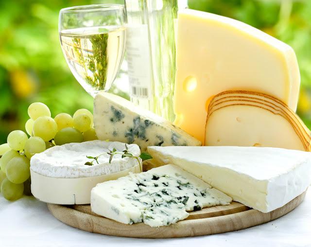 منتهى الترف .. جبنة من دهـــب white_wine_and_chees