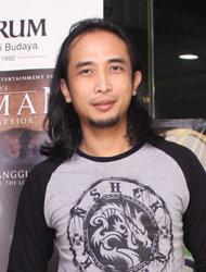 Piyu Potong Rambut Gondrongnya Demi Film Terbaru