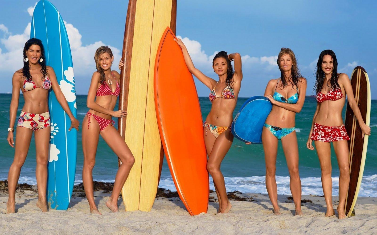 http://1.bp.blogspot.com/-AdIeXQIOdK8/TYwq_1L_TQI/AAAAAAAAAC4/9AG2fxiZuVY/s1600/Surfer_Girls%2Bwallpaper.jpg