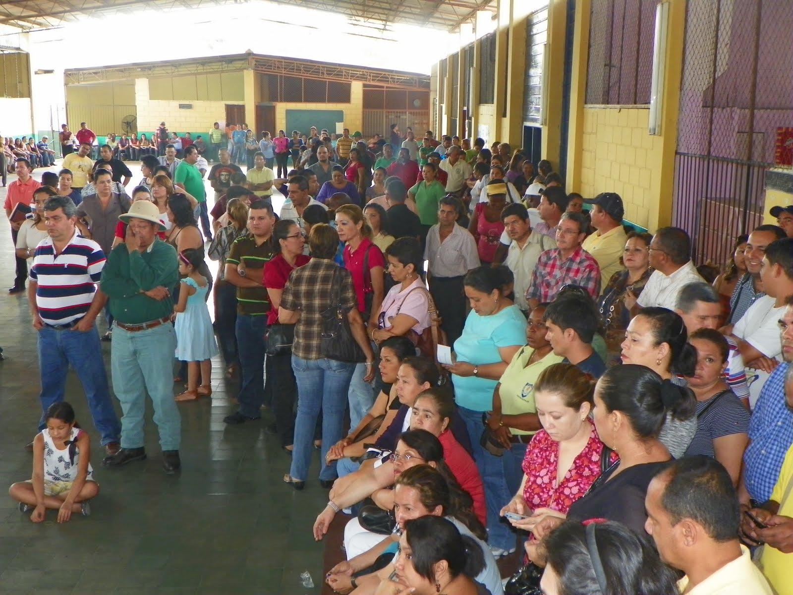 San Pedro Sula Los docentes pertenecientes a la Federaci³n de Organizaciones Magisteriales de Cortés han convocado a este da a asamblea municipal