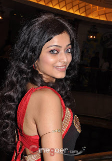 Janani Iyer Spicy Picture gallery