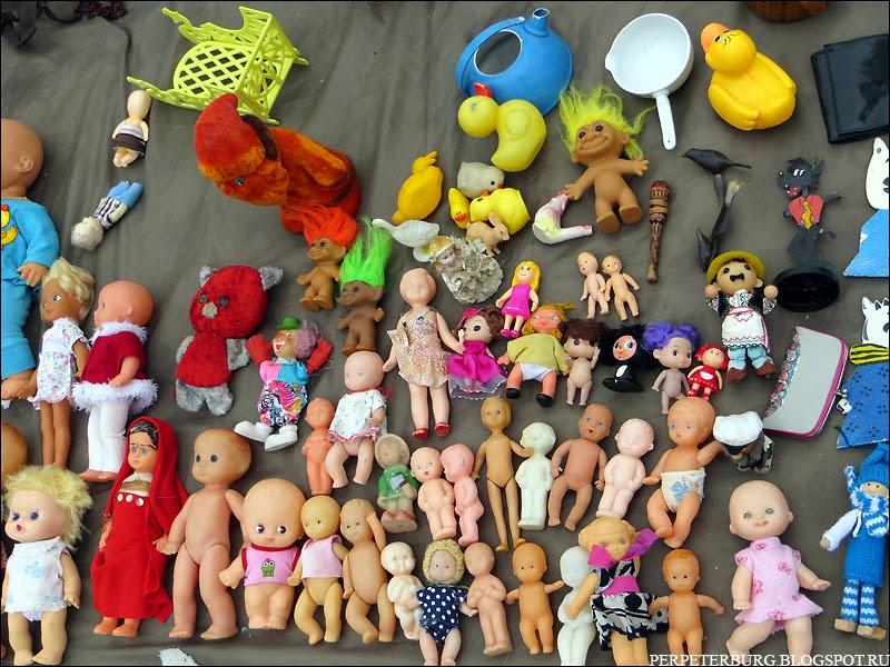 Винтажные куклы на блошином рынке в Петербурге Удельная 2015