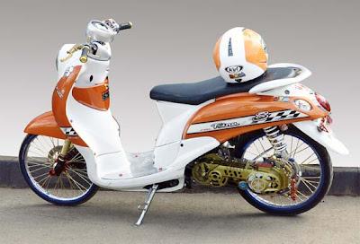 modifikasi Yamaha Fino & Honda Scoopy, Hasil Modifikasi Thailand SCOOPY VS FINO | Honda scoopy vs yamaha fino Yamaha Fino, Drag Style