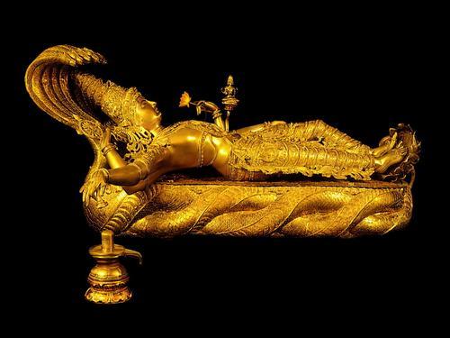 Padmanabhaswamy Temple - Bhagwan Vishnu Lying on Sheshnag with right hand over Shiv Ling