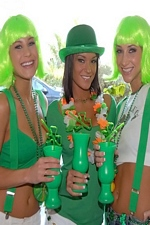 St Paddy's Day Party Turns Into Drunken Lezzie Threesome! - We Live Together