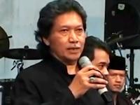 Lucu, Pendapat Cak Nun Tentang Media Koran di Indonesia