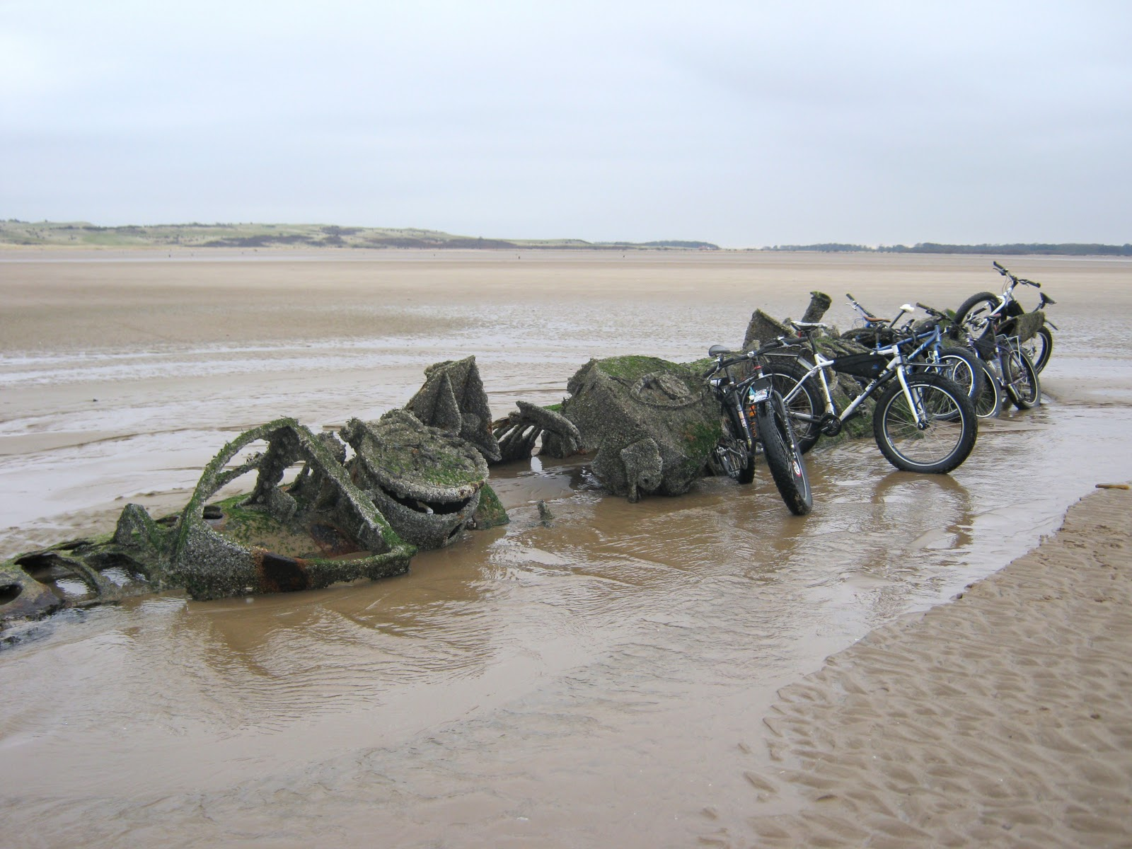 German Tank Wrecks http://coastkid.blogspot.com/2012/01/ww2-xt-class-submarine-wrecks-aberlady.html