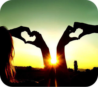 cute love pict - two hand and sunset