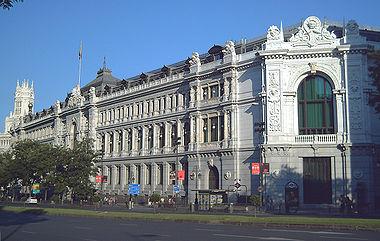 Fachada norte de la sede del Banco de España en la calle de Alcalá de Madrid.