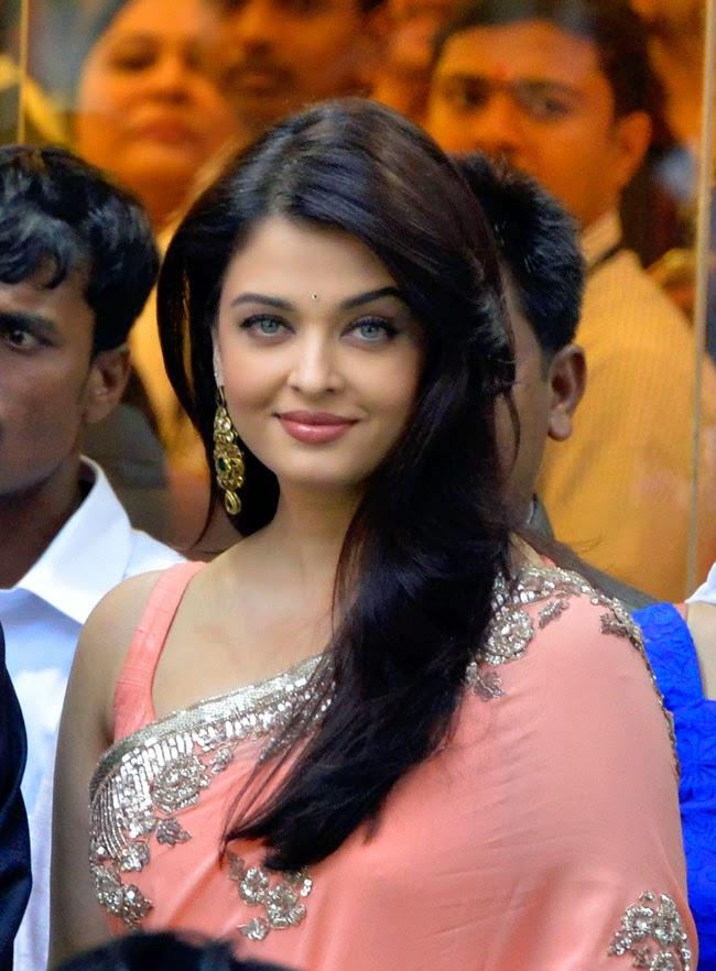 bollywood actress saree online