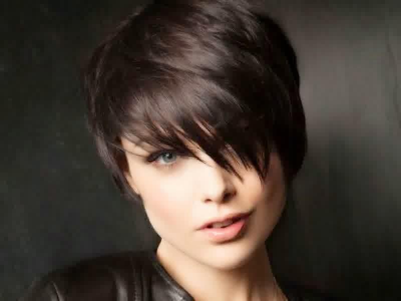 Model Dan Gaya Rambut Pendek Yang Cocok Ditiru Untuk Wanita - Gaya rambut pendek emo