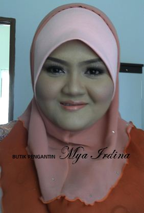 Posted by BUTIK PENGANTIN MYA IRDINA at 17:27