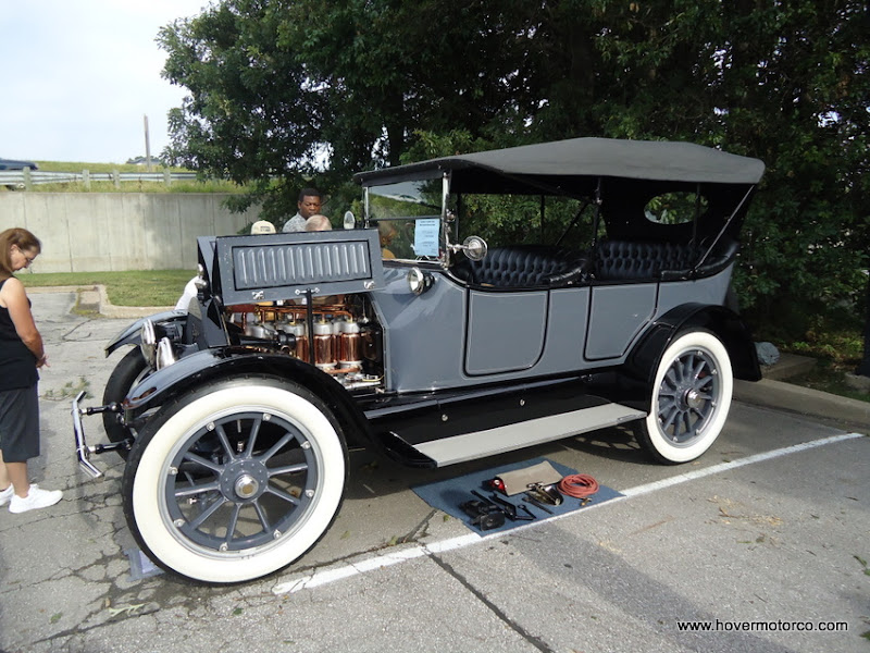 Hover motor company history of the cadillac wreath and for Cadillac motor car company