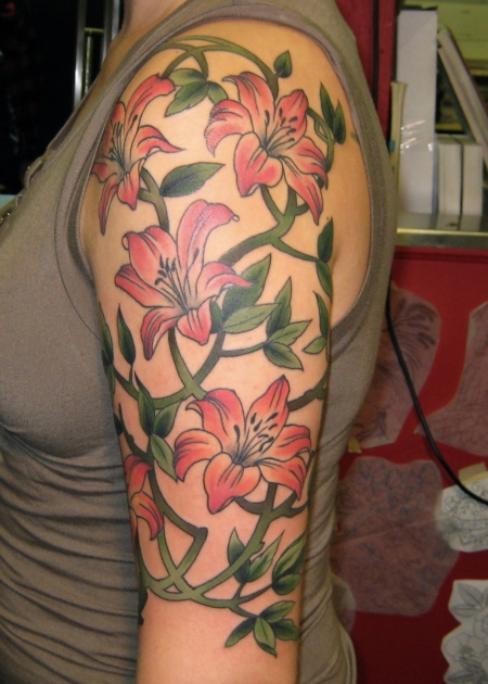 Half sleeve tattoo for women beautiful tattoos art for Flower tattoo arm