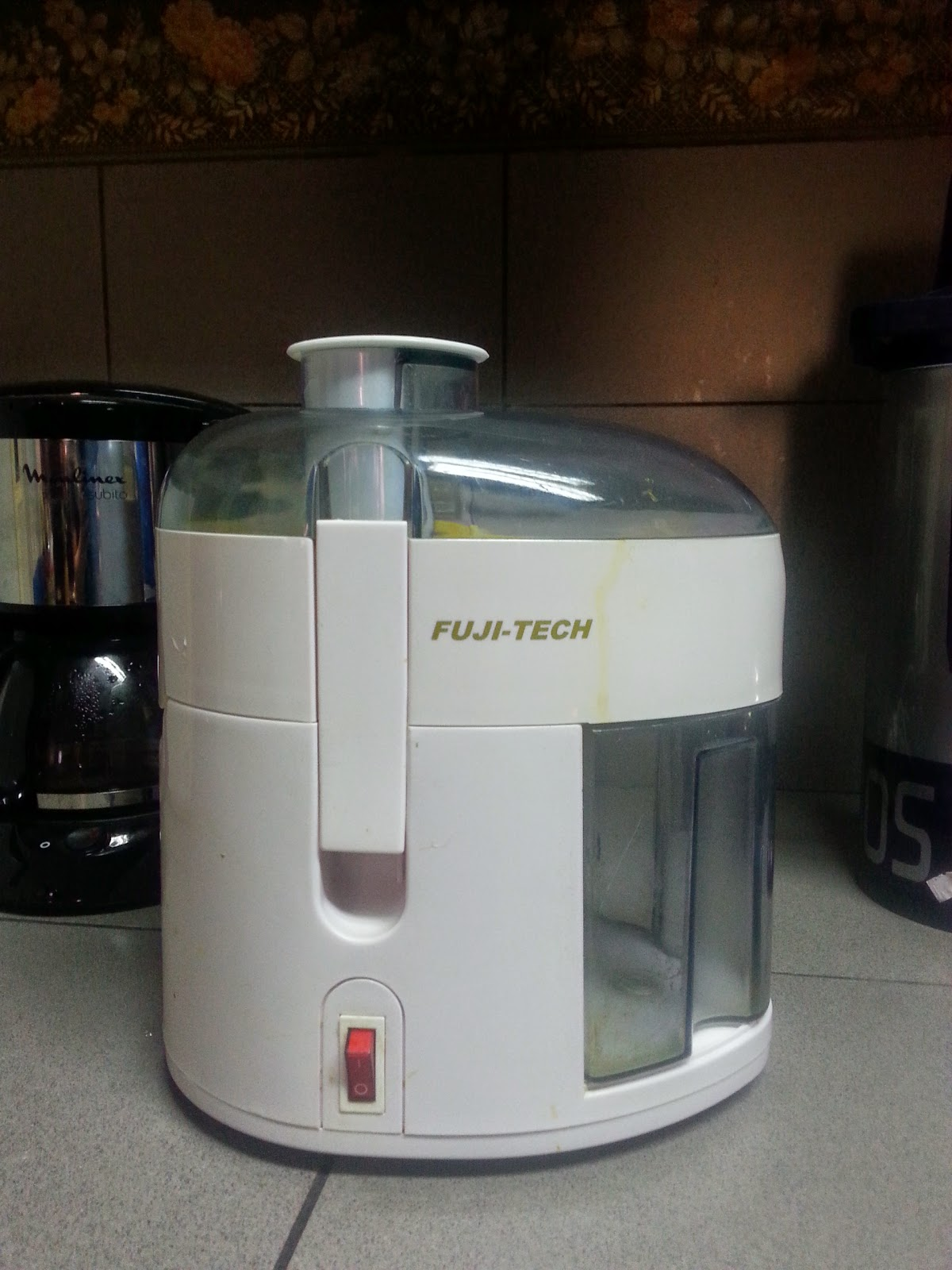 Slow Juicer Moulinex : Chronicles of a Happy Lifer: Idiot s Guide to Buying a New Juicer Part 2