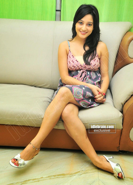 Ritu Barmecha thighs
