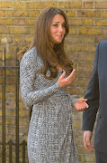 Pregnant Kate Middleton first photos of Baby Bump in Wrap Dress (kate middleton pregnant baby bump )