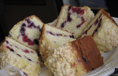 Reduced Fat Very Berry Coffee Cake