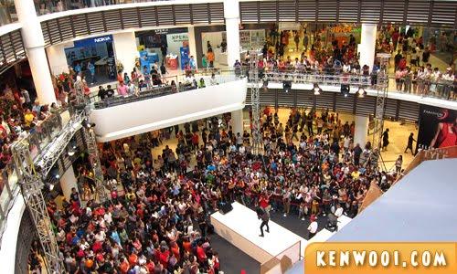paradigm mall concert