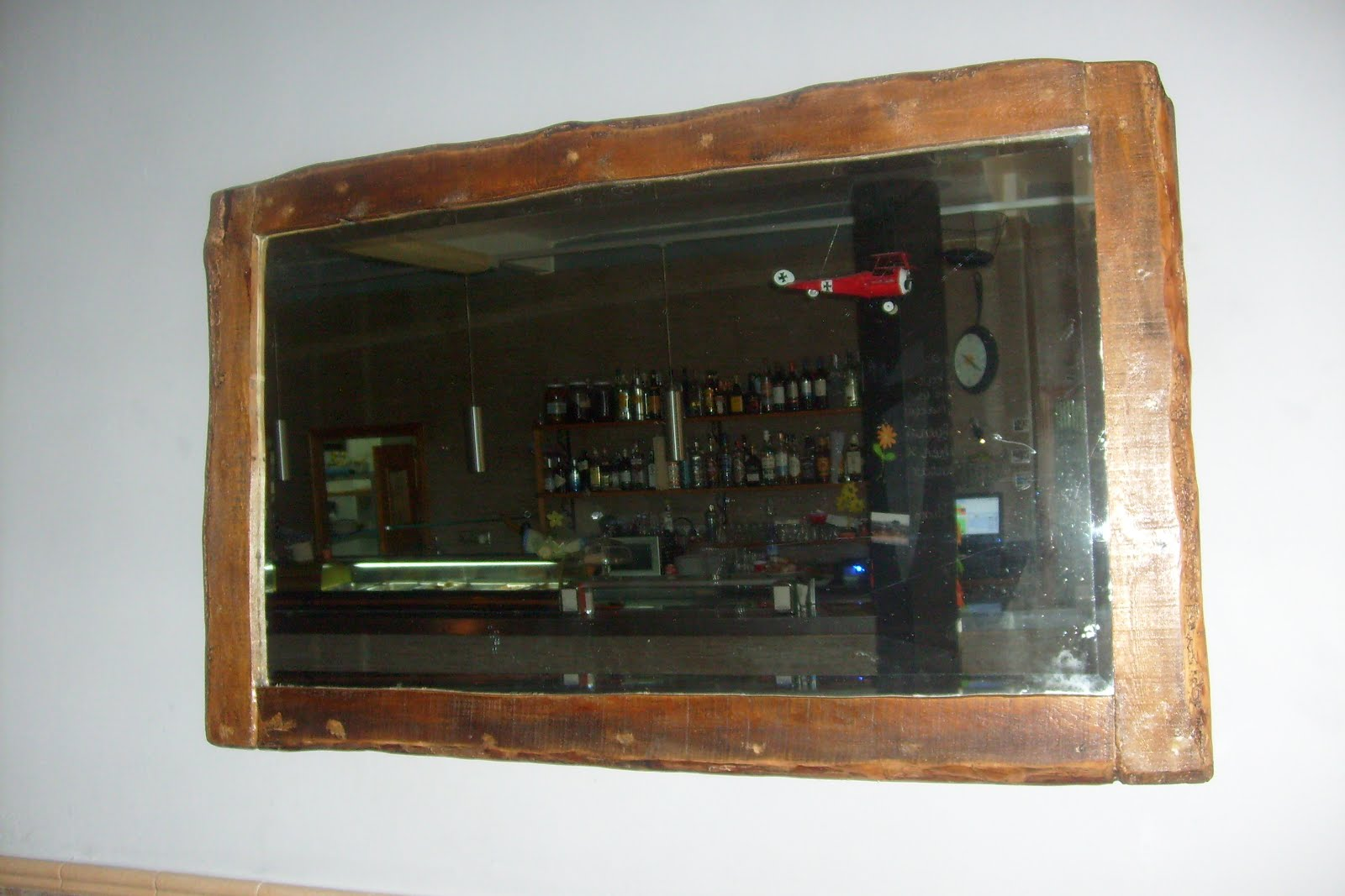 Muebles de antes espejo y pizarras rusticas - Pizarras de bar ...