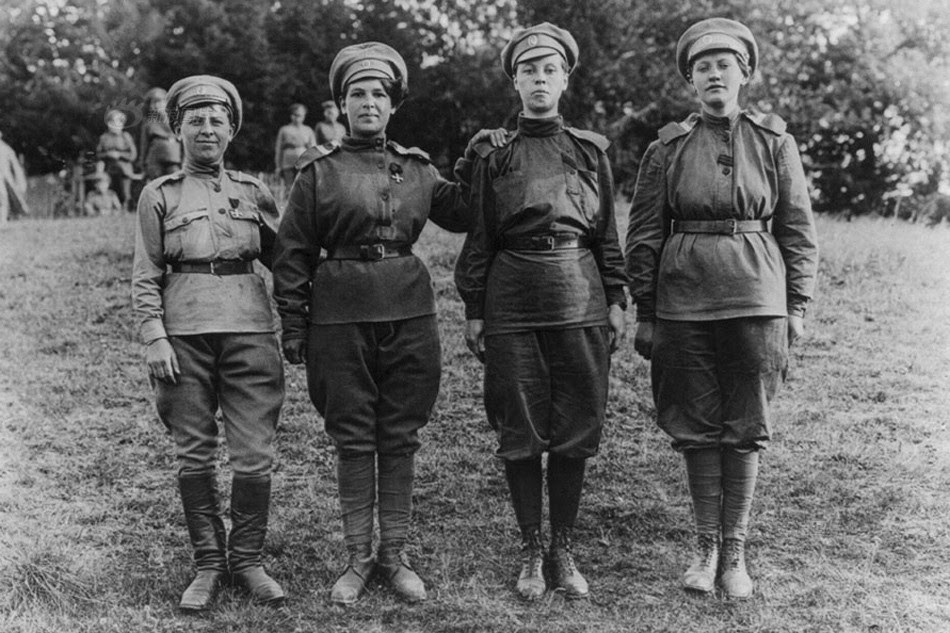 women contribute to world war 1