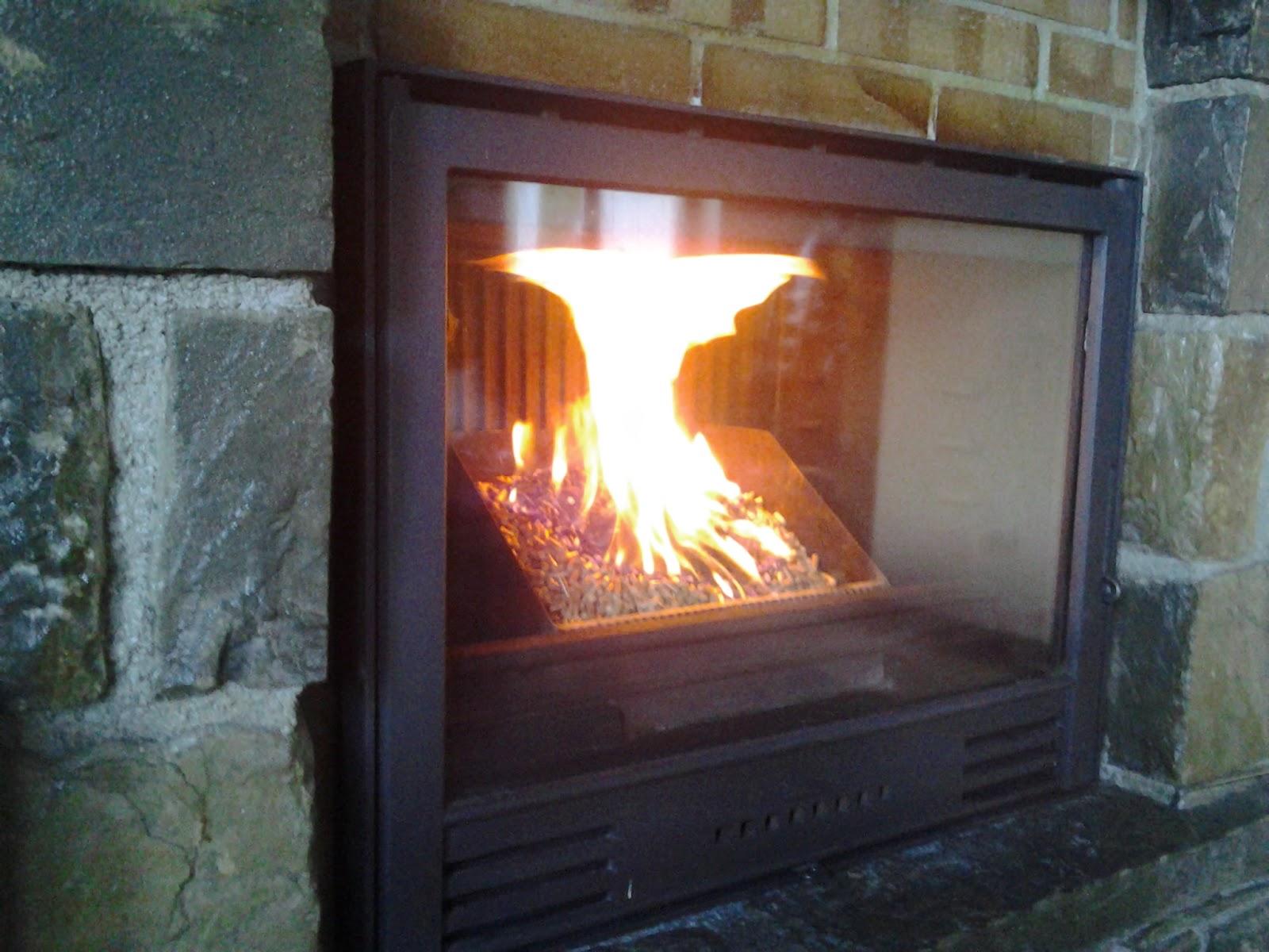 Pelletaran como disfrutar y mantener tu chimenea estufa - Estufa de lena o de pellets ...