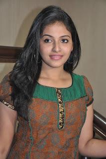 Anjali spotted wearing spicy kurta top and denim jeans at Maharaja movie Press meet