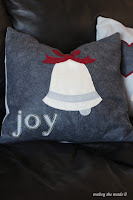 http://www.mabeyshemadeit.com/christmas-pillow-shams/