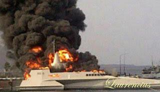 kapal-kri-klewang-625-terbakar