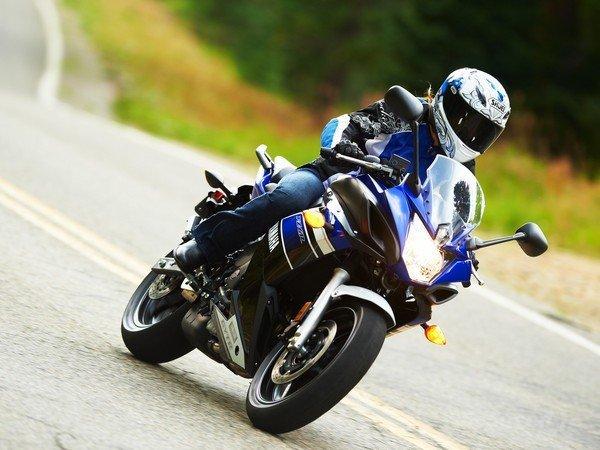 in moto 2013 Yamaha FZ6R