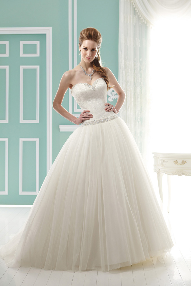 Jasmine bridal collection fall 2012 belle the magazine for Princess jasmine wedding dress