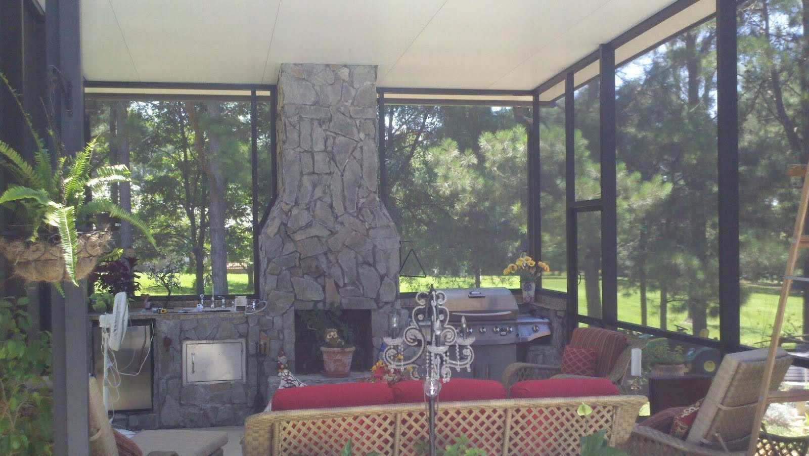 Screen rooms tallahassee tallahassee outdoor kitchen for Backyard screen house