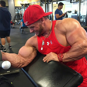 BUILDING MUSCLE: TOP 5 TIPS TO ADD SOME MASS.