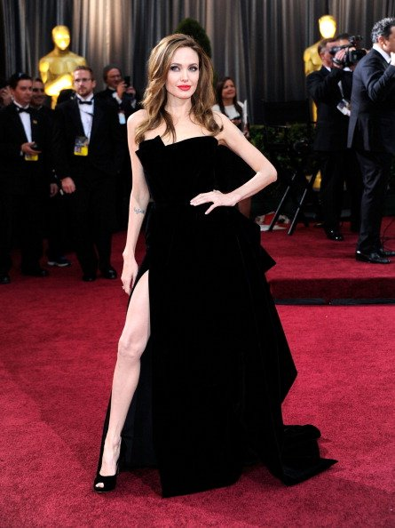 Angelina jolie red carpet dresses - photo#25