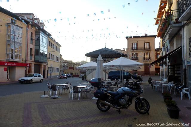 Plaza de Pradoluengo