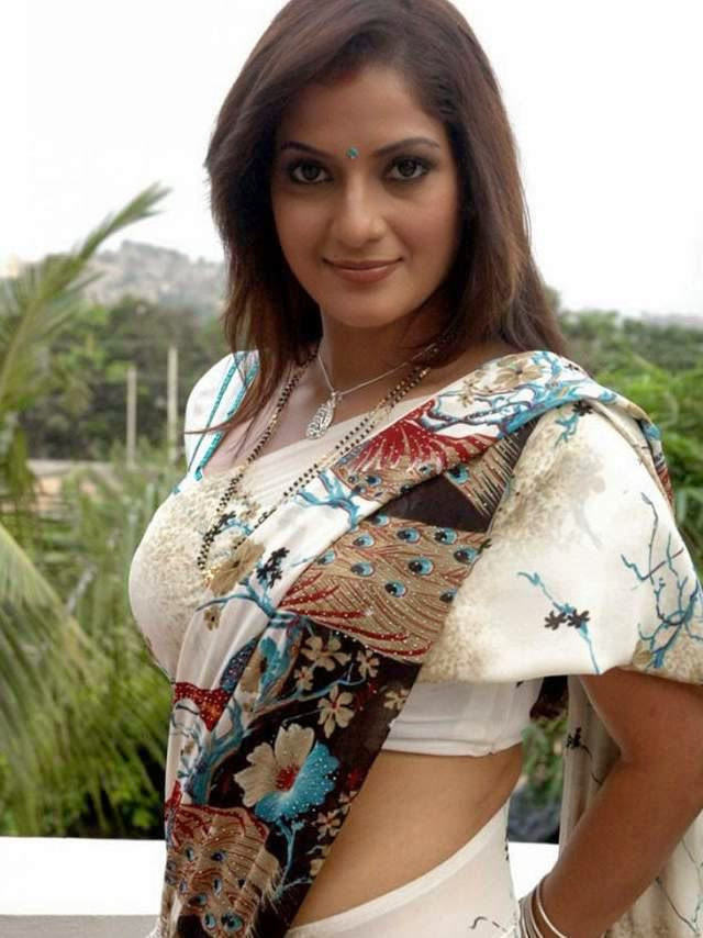 Kolkata Hot Aunties Transparent Saree Pictures