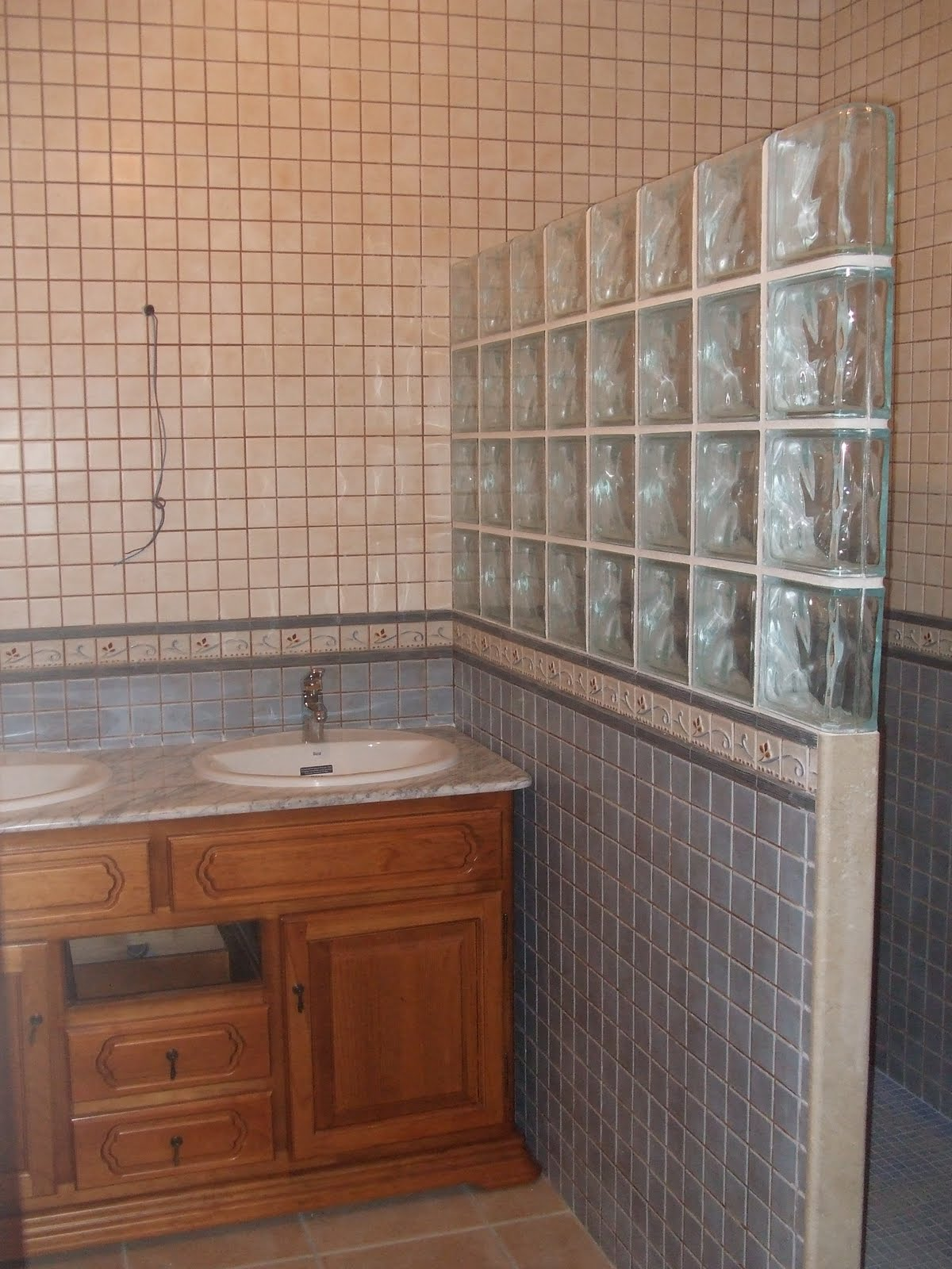 Ba os rusticos con ducha de obra - Cuartos de bano pequenos con plato de ducha ...