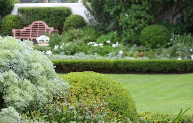khu vườn xanh ngát