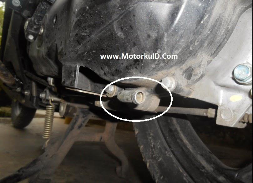 lubang kecil pada motor matik injeksi menjadi celah air masuk
