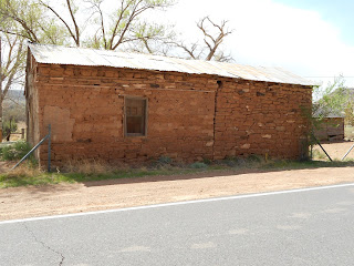adobe building in new mexico
