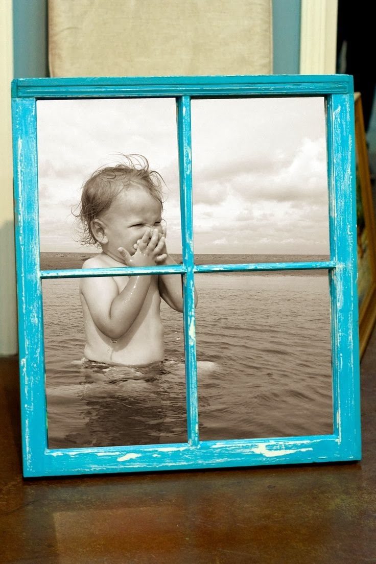 2 girls 1 year 730 moments to share home decor 10 diy for Using old windows as picture frames