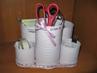 http://proverbs31living.blogspot.ca/2009/05/organization-for-my-desk.html