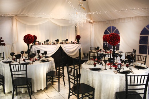 Unique Wedding: Gothic Wedding Ideas