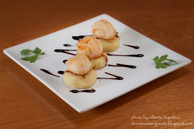 capesante con patate schiacciate
