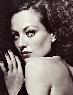 Joan Crawford, un poco brujilda, pero excelente actriz y qué ojos !!!
