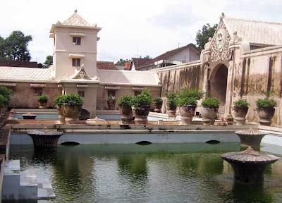 Wisata Istana Air Taman Sari di Yogyakarta