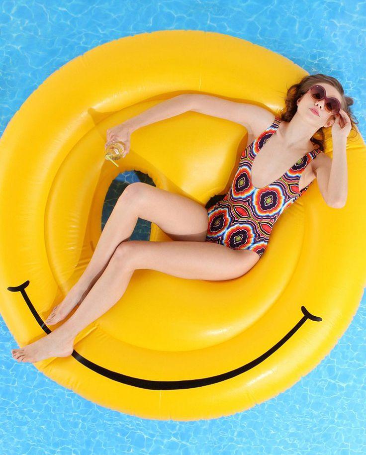 Flotadores_de_moda_para_la_piscina_y_la_playa_The_Pink_Graff_06